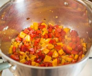 Фрикадельки з баранини в овочевому соусі