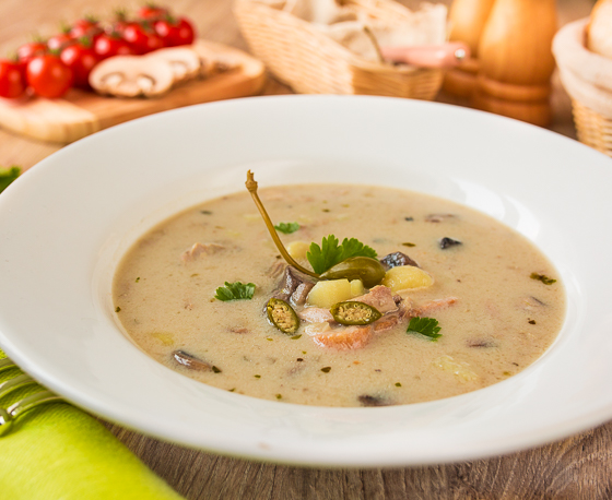 Вершковий грибний суп з куркою