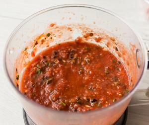 Курка в томатно оливковому соусі