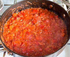 Паста з куркою і томатно вершковим соусом