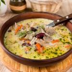 Густий суп з кролика з квасолею та грибами