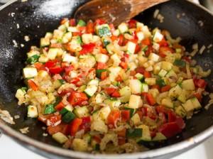 Паста з фрикадельками і овочами