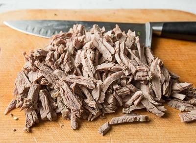 Окрошка з яловичиною на квасі
