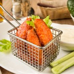Курячі крильця в клярі і гострому соусі