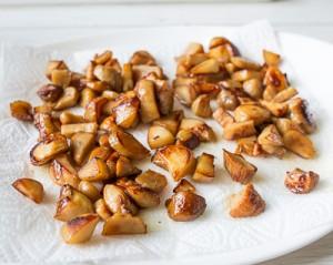 Тарт з білими грибами та цибулею пореєм