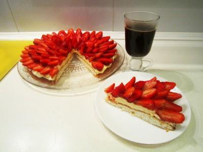 Торт «Клубничная фантазия»