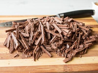 Малиновий торт з шоколадом