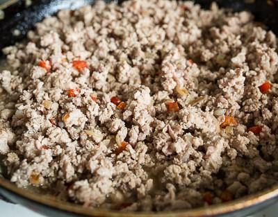 Лазанья зі свининою та овочами