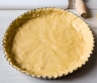 Чорнично мигдальний пиріг