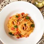 Паста з морепродуктами в томатному соусі
