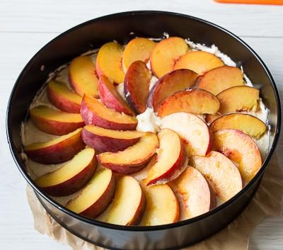 Персиково мигдальний пиріг
