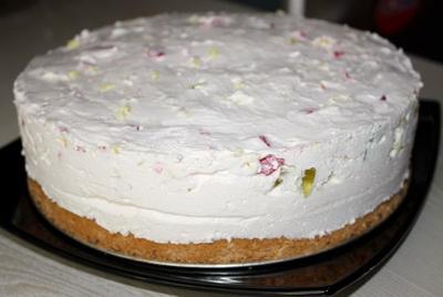 Бисквитный пирог с вишнями