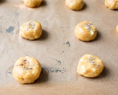 Лавандове печиво з білим шоколадом