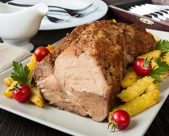 Пряна запечена свиняча шия з картоплею
