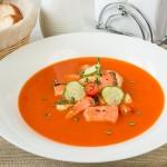 Томатний суп-пюре з лососем і тріскою