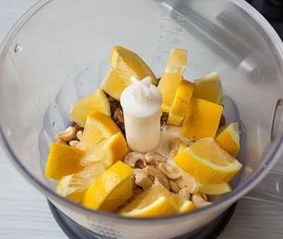 Лимонний пиріг з родзинками
