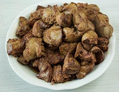 Бефстроганов з курячої печінки