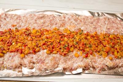 Рубаний мясний рулет з солодким перцем