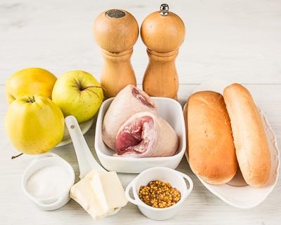 Міні брускетти з качкою і карамелізованими яблуками
