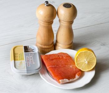 Мус з малосольного лосося