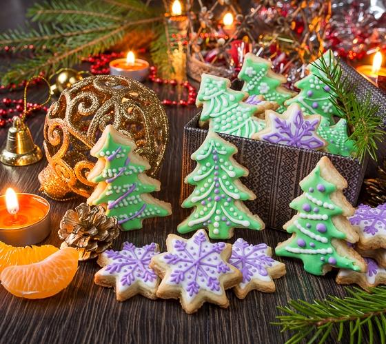 Новорічне цукрове печиво з глазур'ю