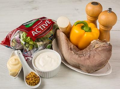 Салат з язиком, дайконом і солодким перцем