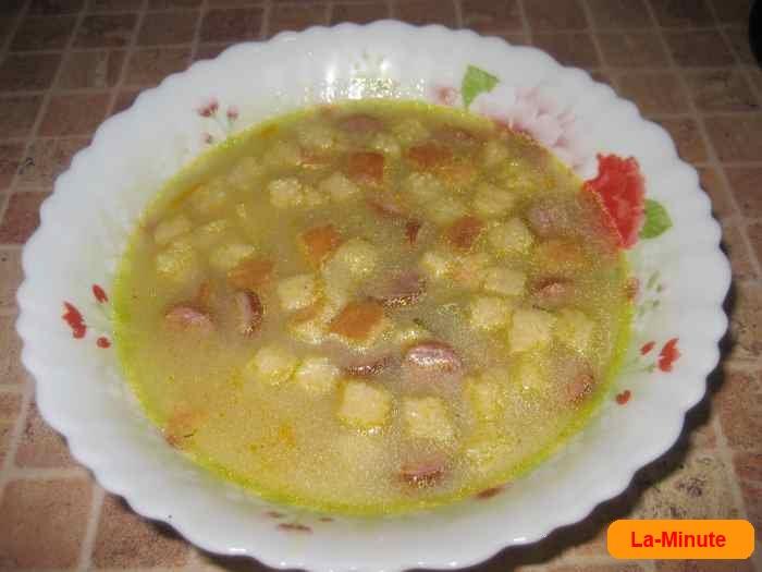 Гороховый суп с охотничьими колбасками в мультиварке