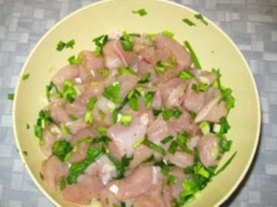 Кабачки с мясом в горшочках