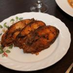 Горбуша в вершково-часниковому соусі