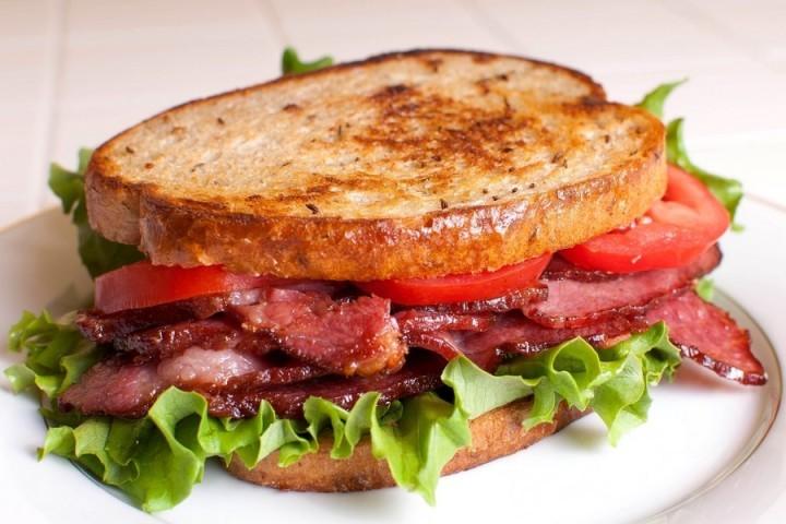 Аппетитная сухомятка 8 рецептов вкусных горячих бутербродов